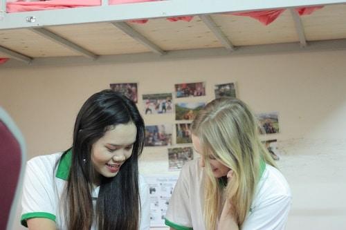 Học tiếng Anh cùng giáo viên nước ngoài