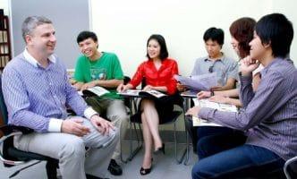 Học giao tiếp tiếng Anh – Biến ngôn ngữ chết thành ngôn ngữ sống