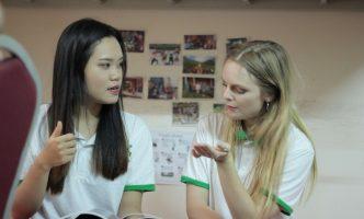 6 lý do bạn nên học tiếng Anh cùng Tây?