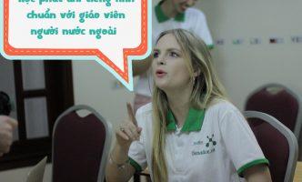 Học tiếng Anh giao tiếp với người nước ngoài tại Hà Nội