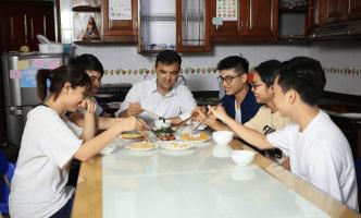 Học tiếng Anh homestay tại Benative