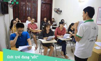 """Giới trẻ đang """"sốt"""" với khóa học tiếng Anh giao tiếp ở Hà Nội"""