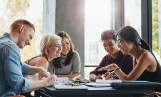Cùng Benative khám phá cách học tiếng Anh giao tiếp