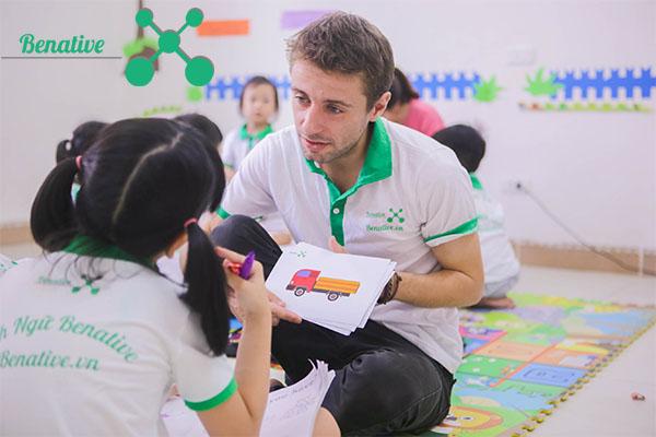 học tiếng anh trẻ em tại benative